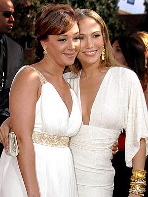 Leah Remini & Jennifer Lopez
