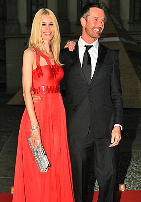 Claudia Schiffer y Rupert Everett