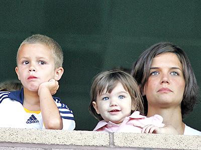 Katie Holmes y Suri Cruise con Romeo Beckham