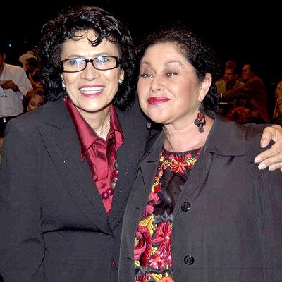 Patricia Reyes Spíndola y Angélica Aragón