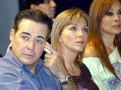 Cesar Evora y Laura Flores
