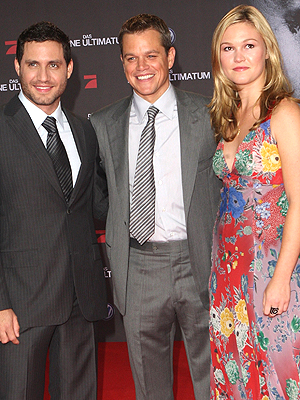 Edgar Ramirez, Matt Damon y Julia Stiles