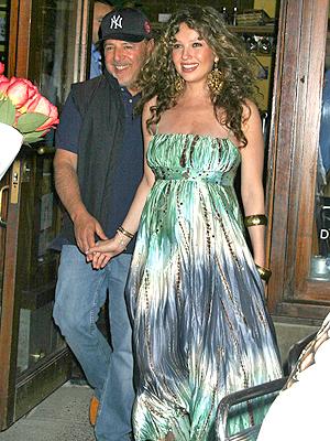 principal Tommy Mottola y Thalia