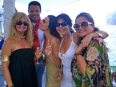 Goldie Hawn, Terrence Howard, Fran Drescher, Maria conchita Alsonso, y Sandra Garcia