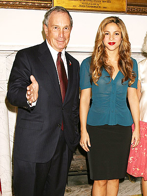 Shakira con Michael Bloomberg