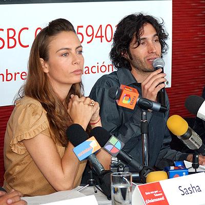 Benny Ibarra y Sasha Sokol