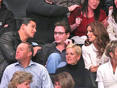 Mario Lopez, Kevin Connolly y Eva Longoria
