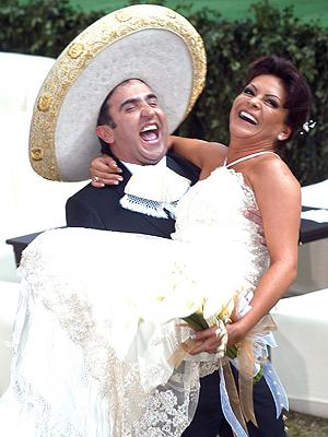 Mara Patricia Castaneda y Vicente Fernandez Jr.