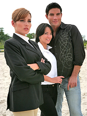 Adriana Fonseca, Adamari Lopez y Victor Gonzalez