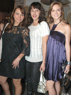 Fabiola Campomanes, Silvia Navarro y amiga