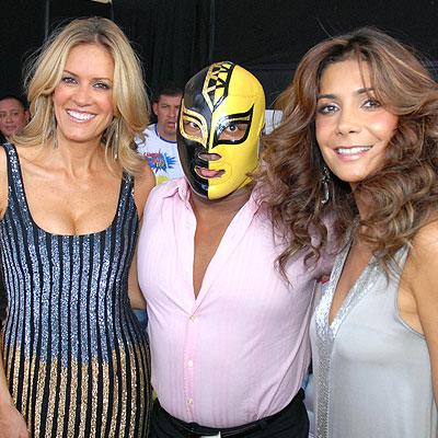 Rebeca de Alba, Luchador y Paty Manterola