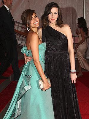 Eva Mendes y Liv Tyler