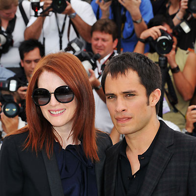 Julianna Moore, Gael García Bernal