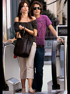 DE SHOPPING CON MAMÁ