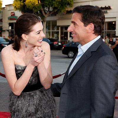 Anne Hathaway y Steve Carell