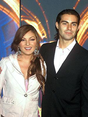 Ernesto D'Lessio, Mariana Ochoa