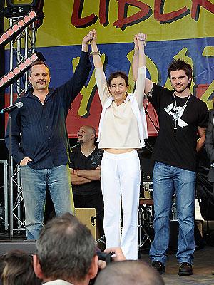 Miguel Bosé, Ingrid Betancourt, Juanes