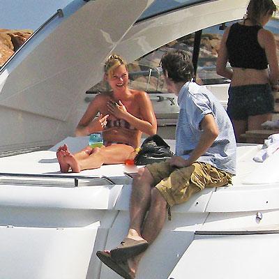 Kate Moss, Vacaciones con los famosos