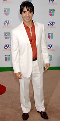 Luis Fonsi, Mejor vestido
