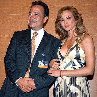 Silvia Navarro, Nicandro Díaz