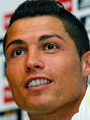 Cristiano Ronaldo, Hombres de poca ceja