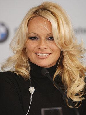 Pamela Anderson, Magia del maquillaje