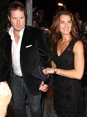 Brooke Shields, Chris Henchy