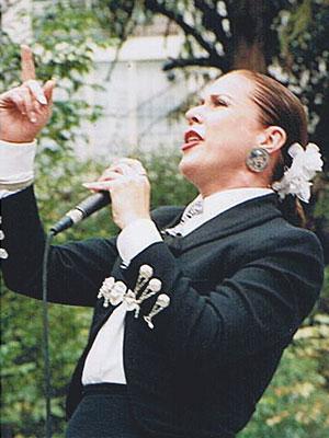 LAURA ZAPATA, CANTANTES FRUSTRADOS