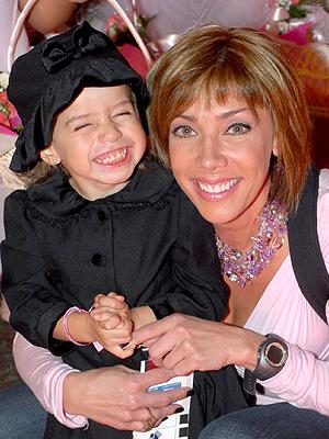 Eliza Lira y Cynthia Klitbo