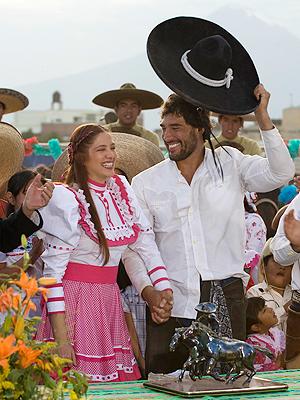 Adela Noriega, Eduardo Yáñez