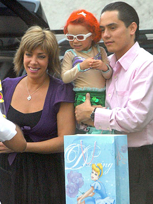 Cynthia Klitbo, Alisa, Rubén Lira