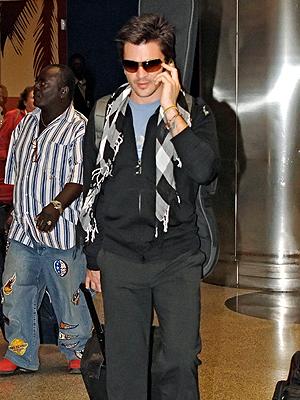 Juanes, Viajeros