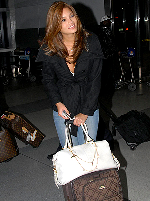Zuleyka Rivera, Viajeros