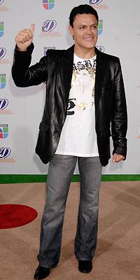 Pedro Fernández, Worst Dressed