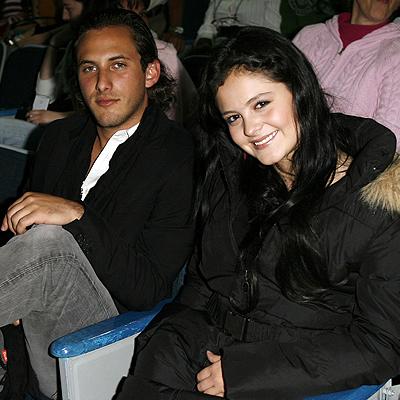 Allison Lozz, Sebastián Zurita