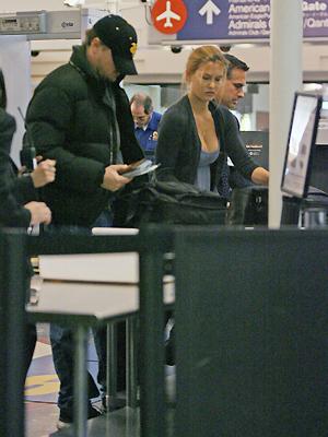 Leonardi DiCaprio, Bar Rafaeli, Aeropuerto