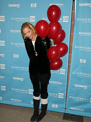 "Uma Thurman, ""Motherhood"" premier at Sundance"