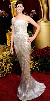 Anne Hathaway, barbies
