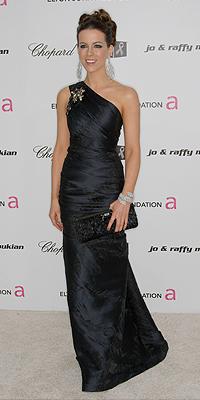 Kate Beckinsale, NEGRO