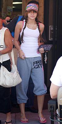 Miley Cyrus, Fachas
