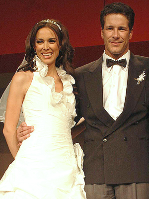 Jacqueline Bracamontes, Fernando Carrillo