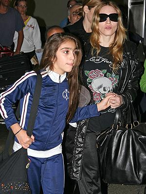 Madonna, Viajeros
