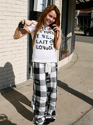 Miley Cirus, Pijama