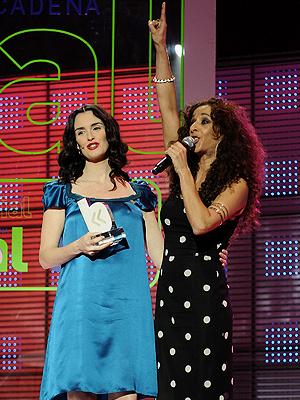 Paz Vega, Rosario Flores