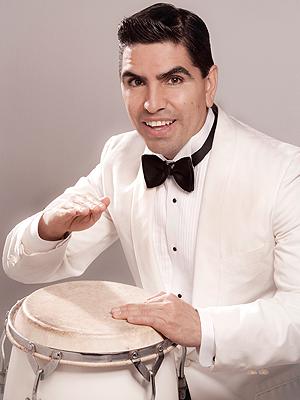 Eddie Piolín Sotelo, 50 Más Bellos 2009