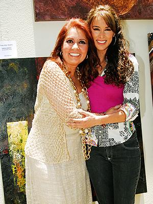 Jacqueline Bracamontes, Carla Estrada