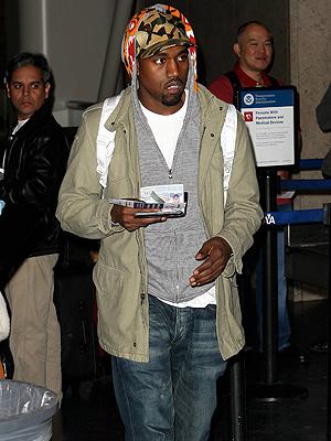 Kanye West, Escándalos de aeropuerto