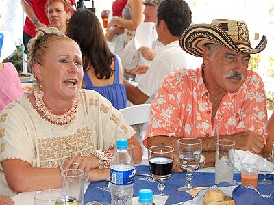 Laura Zapata, Andrés García