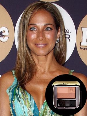 Carmen Dominicci, bronceado