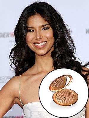 Roselyn Sánchez, bronceado